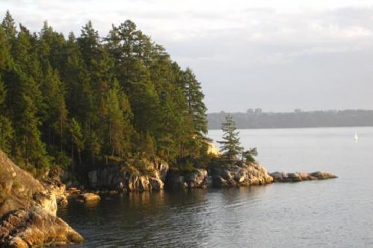 vancouver-observer-lighthouse-park-British-Columbia