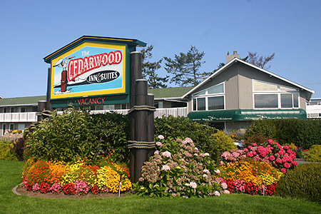 Cedarwood Inn & Suites provides waterfront accommodation in Sidney, Greater Victoria, British Columbia, Canada