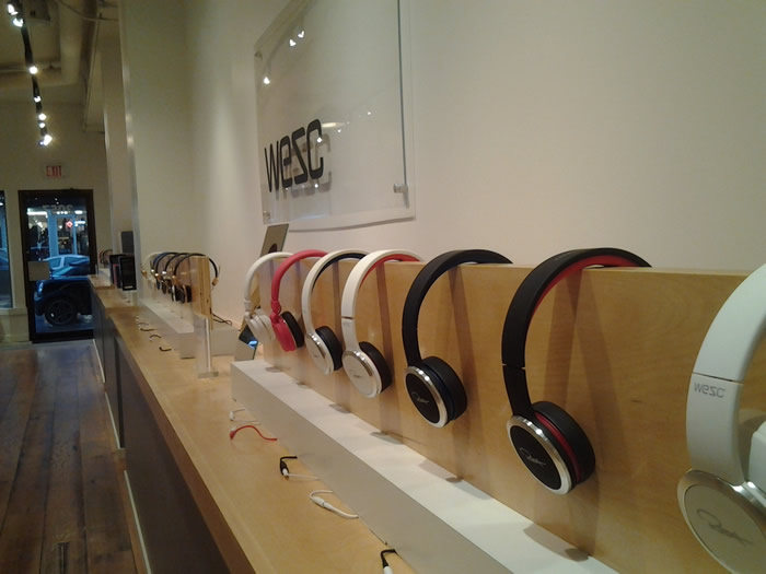 Experience-Headphones-South-Granville-Vancouver-20131130_142259-700x525
