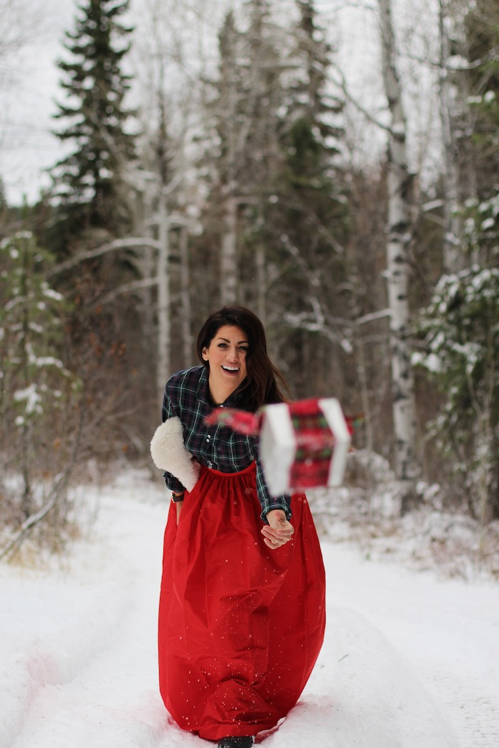 Jillian-Harris-Holiday-Giveaways-Announcement-2014-2
