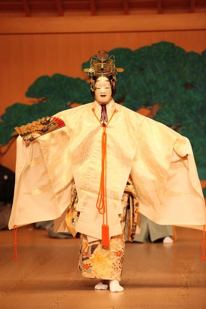 japanese-master-noh-actor-yamai-tsunao-700x1050