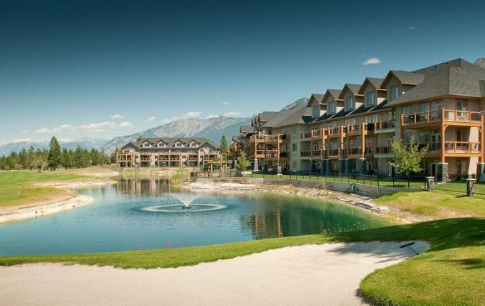 True Key Hotels & Resorts, British Columbia: Bighorn Meadows Resort, Radium Hot Springs